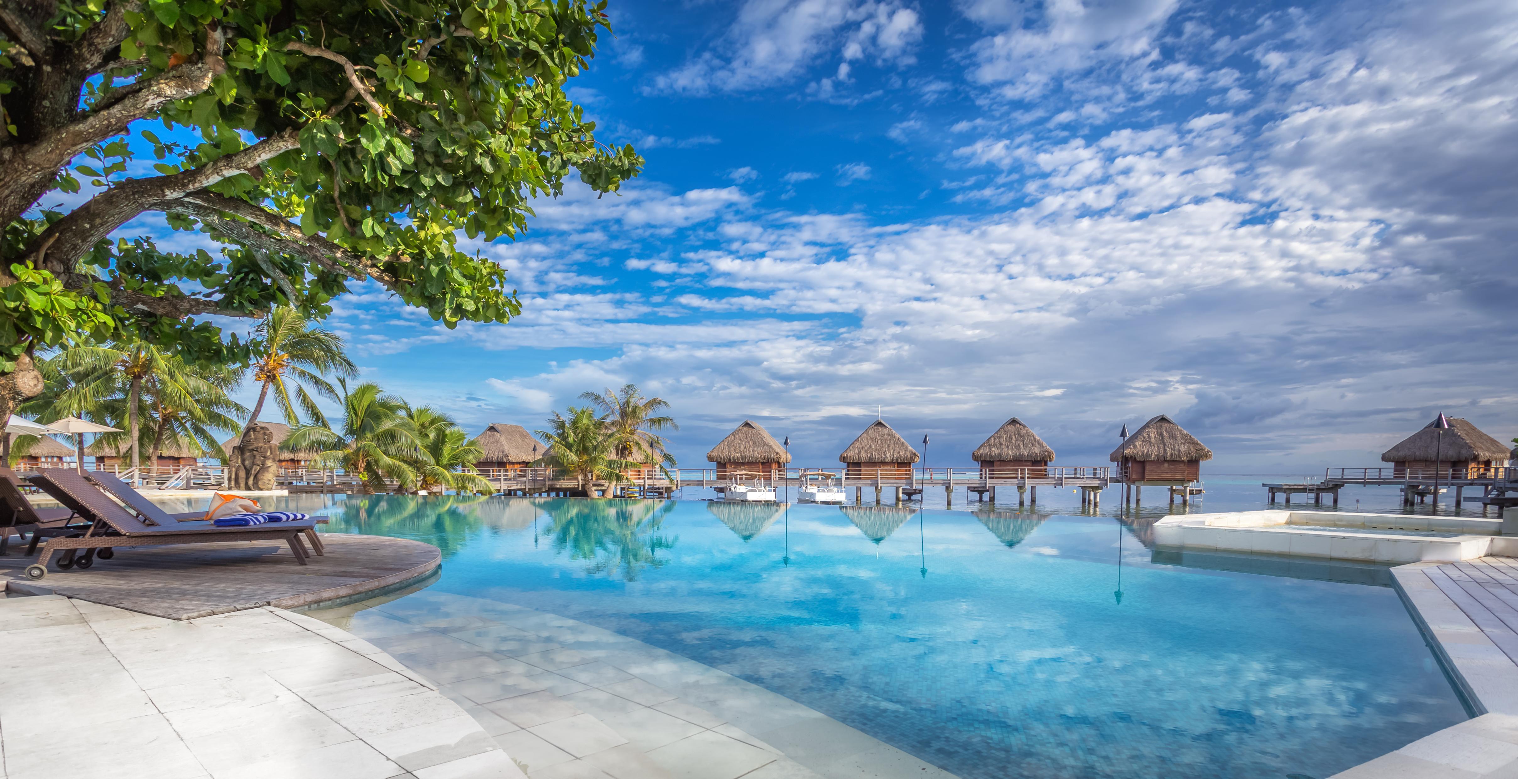 https://tahititourisme.cn/wp-content/uploads/2017/08/HEBERGEMENT-Manava-Beach-Resort-and-Spa-Moorea-1-Charles_Veronese.jpg
