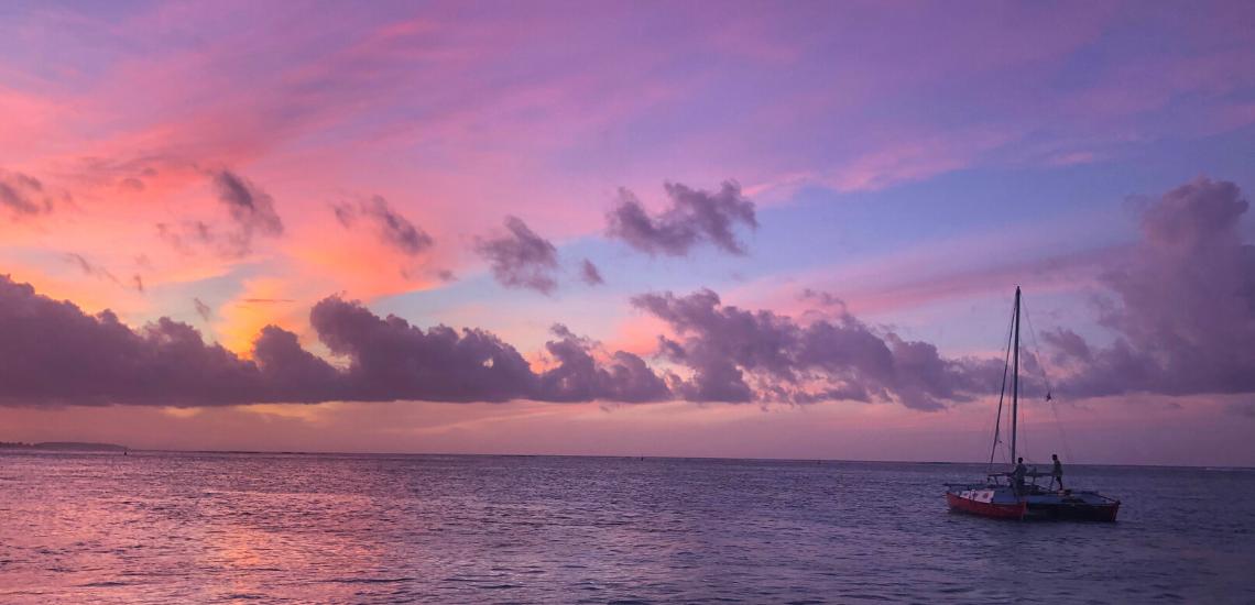 https://tahititourisme.cn/wp-content/uploads/2017/08/voilamoorea_sunset_1140x550.png
