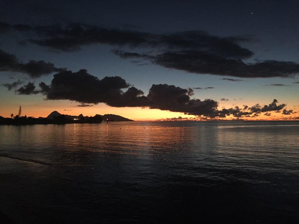 https://tahititourisme.cn/wp-content/uploads/2017/09/Mer-coucher-de-soleil.jpg