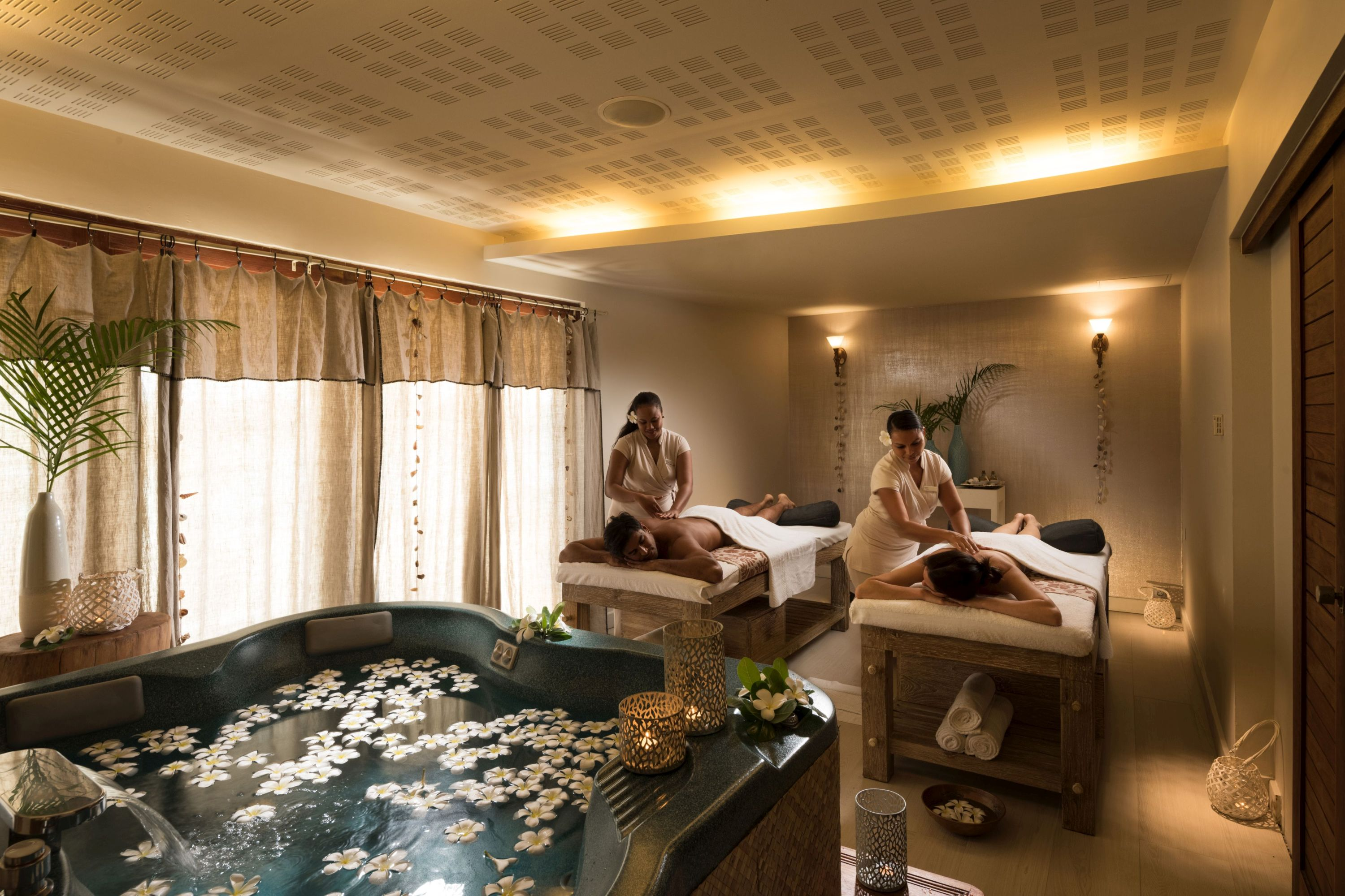 https://tahititourisme.cn/wp-content/uploads/2019/06/Spa-Treatment-Room.jpg