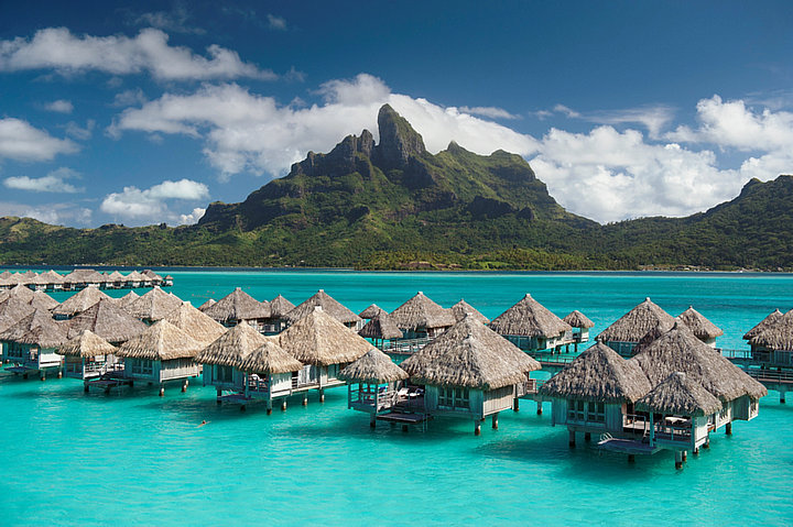St Regis Bora Bora_波拉波拉瑞吉度假村_水上别墅群
